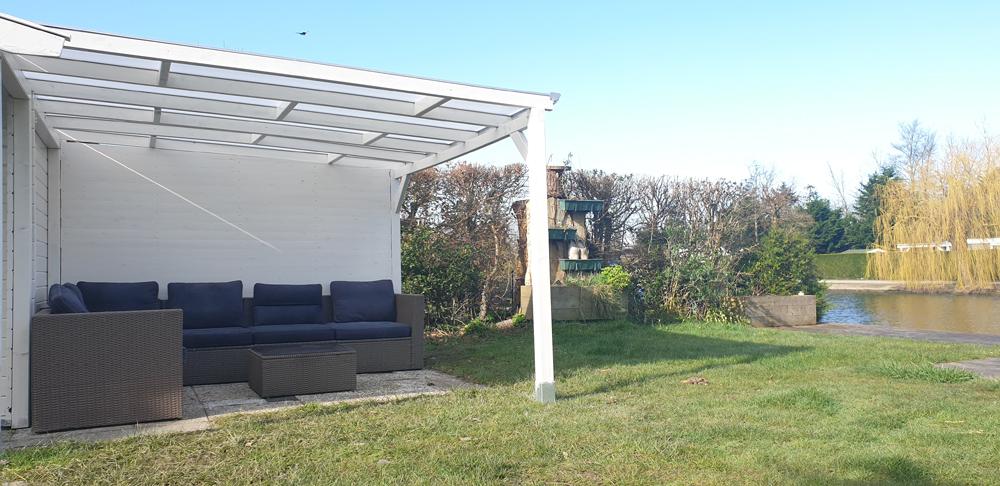 lounge zum angeln und relaxen am wasser in holland