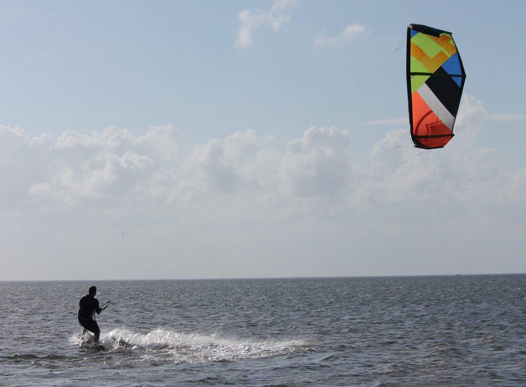 kitesurfen am ijsselmeer: Urlaub holland